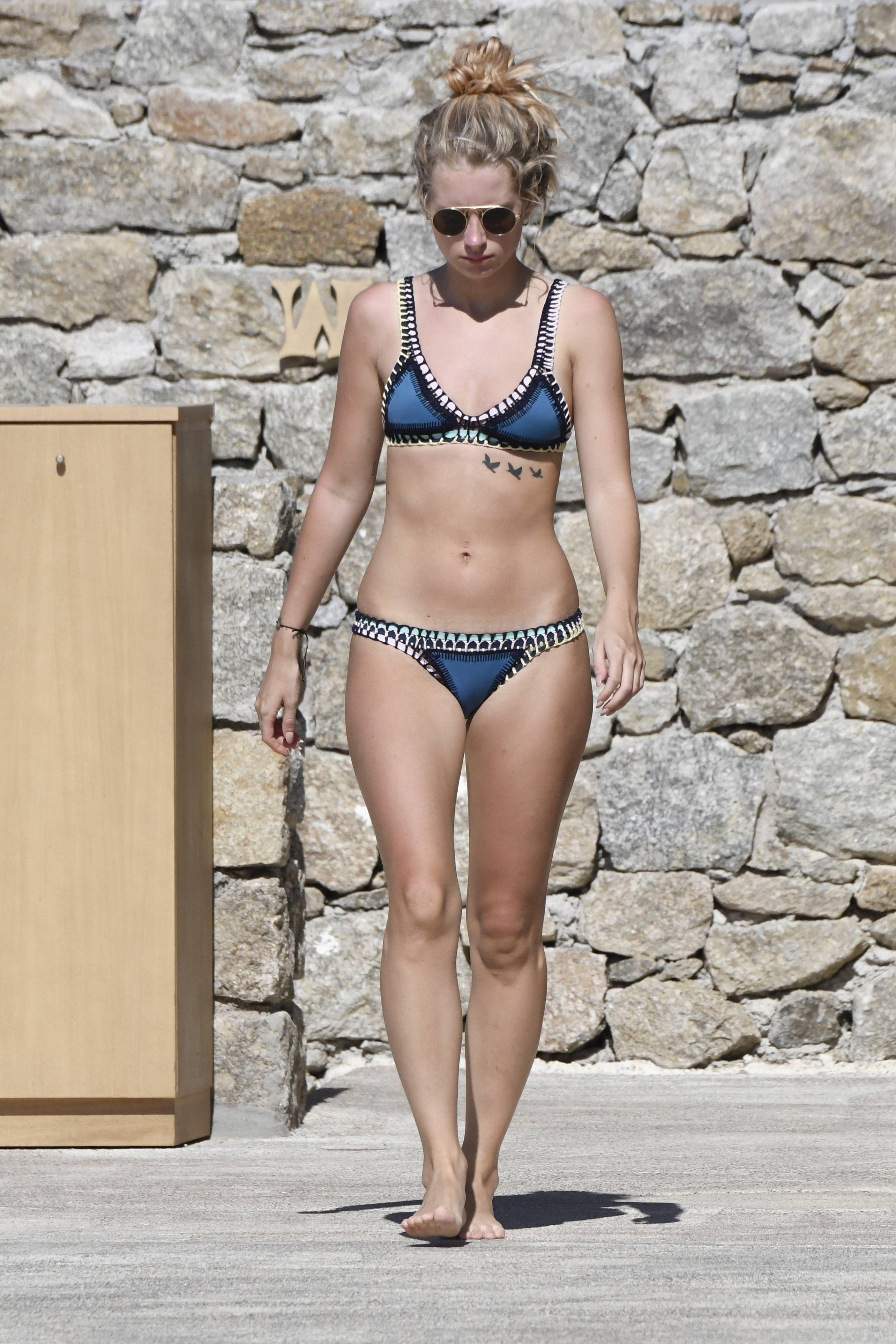 Lottie Moss Bikini photo 12