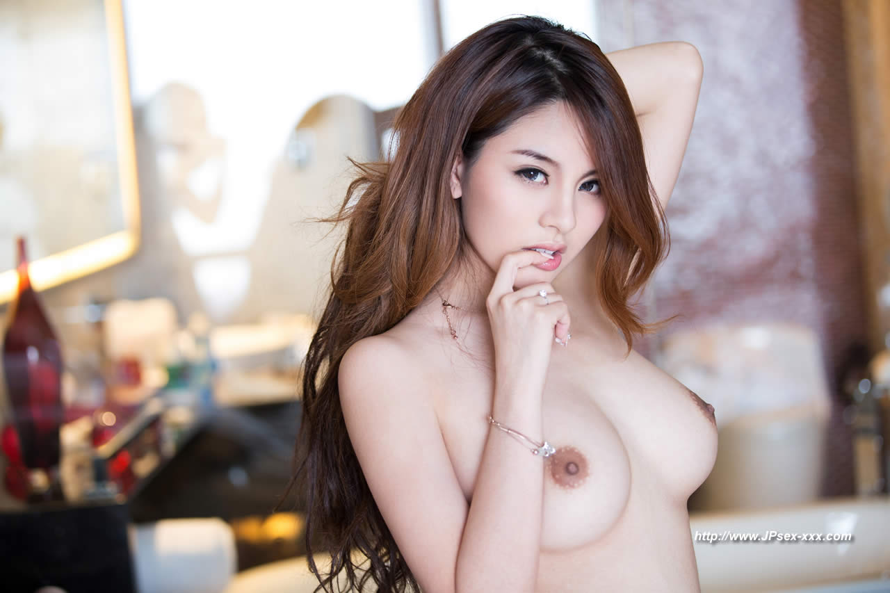 Asian Topless Models photo 4
