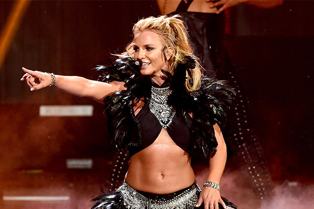Britney Spears Tits Out photo 7