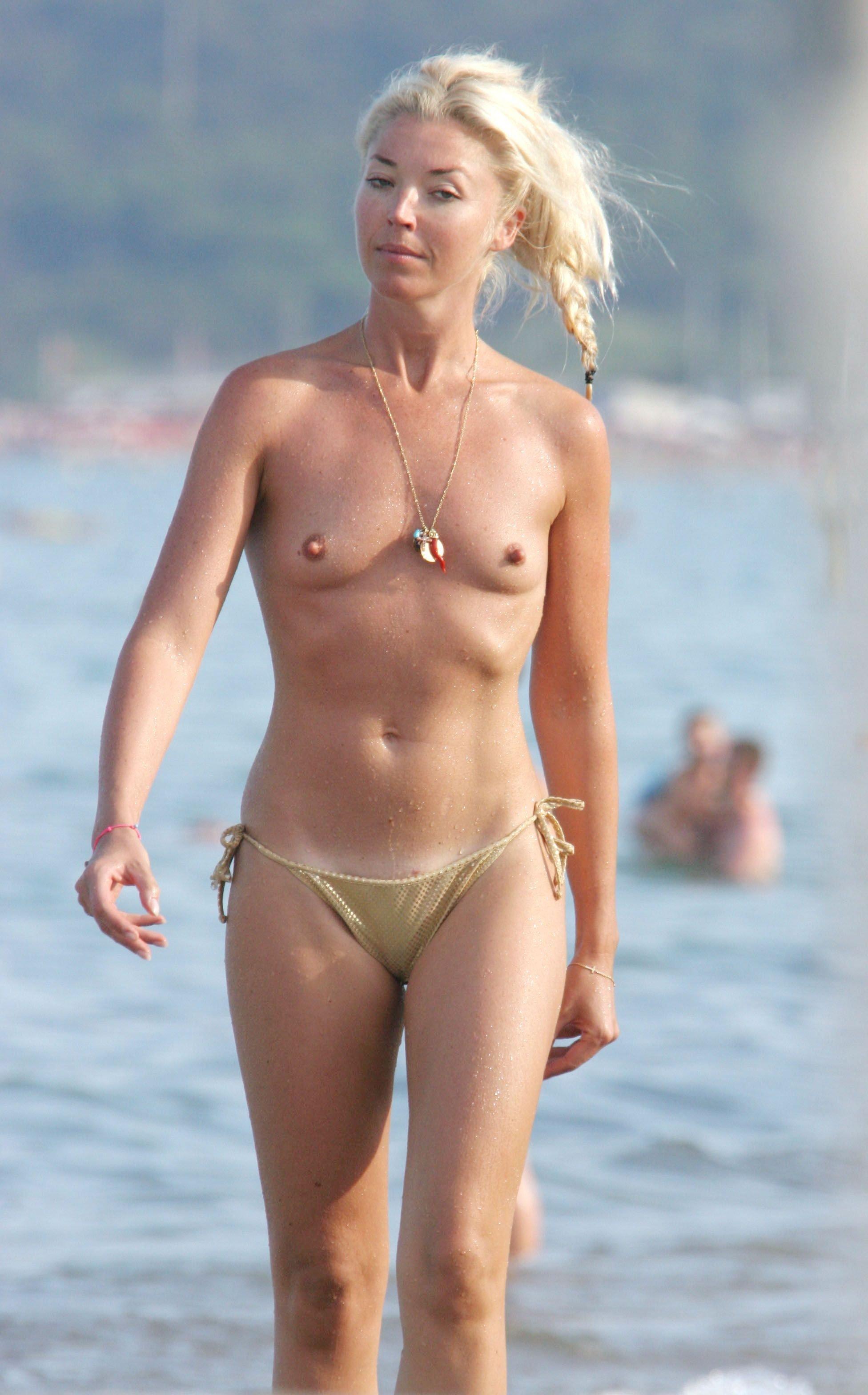 Celeb Topless Photos photo 3