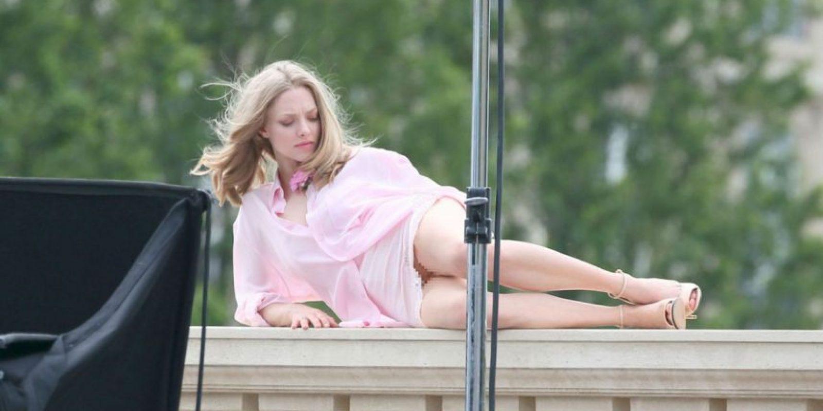 Amanda Seyfried Thong photo 7