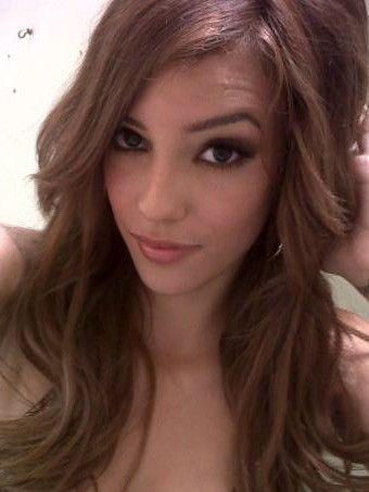 Melanie Rios Forum photo 21