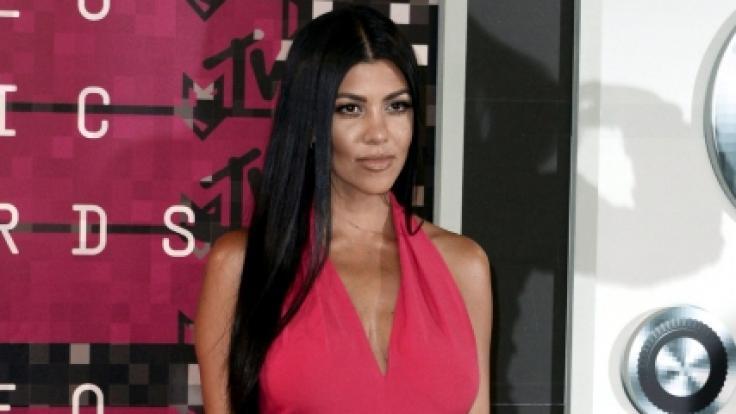 Kim Kardashian Nipples Uncensored photo 11