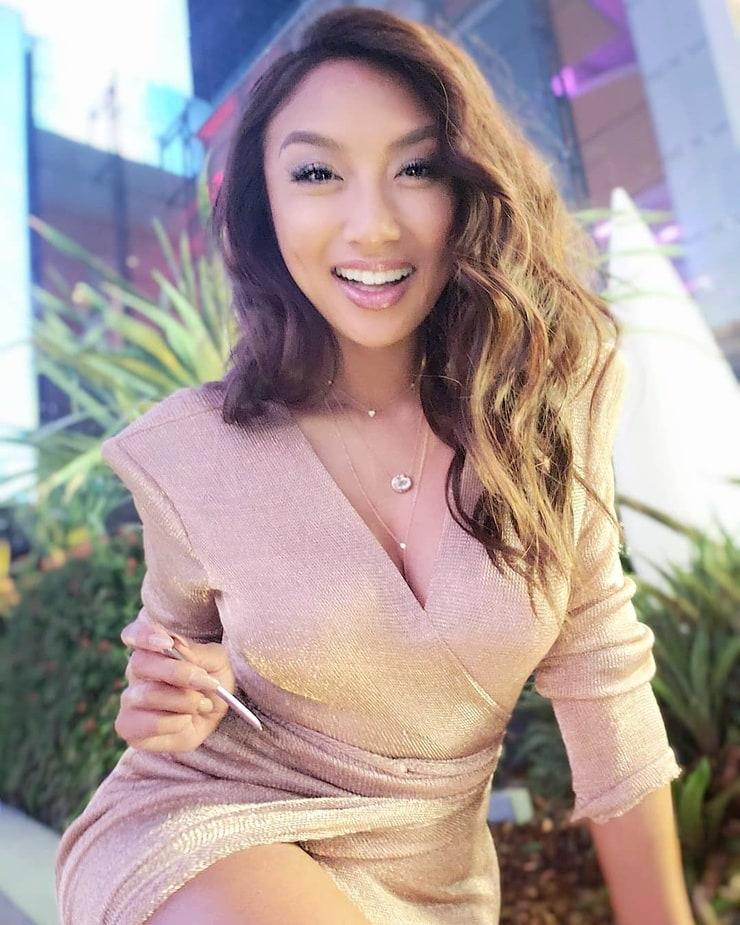 Jeannie Mai Fbe photo 30