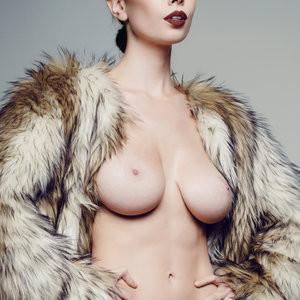 Olivia Rose Keegan Nude photo 15