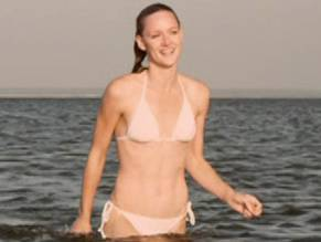 Kerry Bishé Naked photo 15
