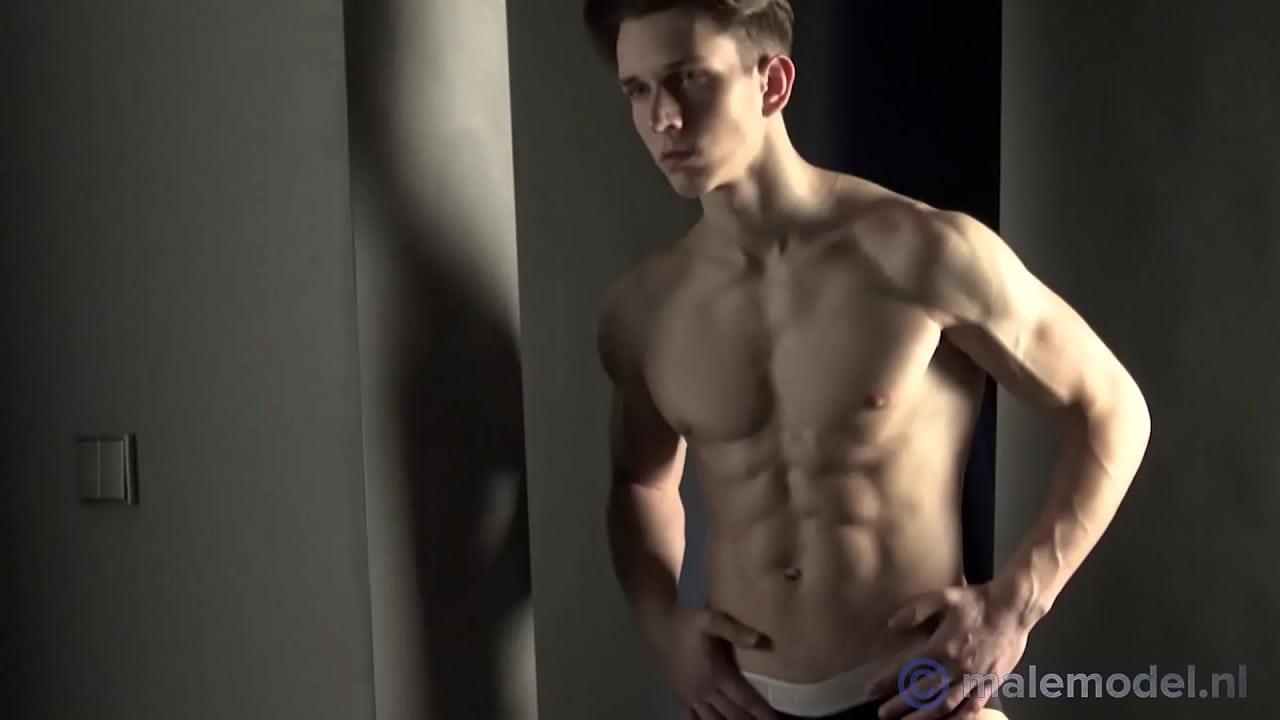 Naked Fitness Model Videos photo 17