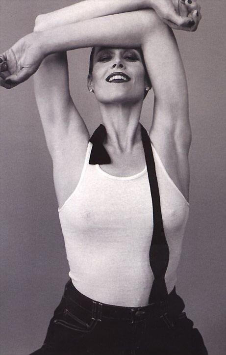 Sigourney Weaver Hot Photos photo 14