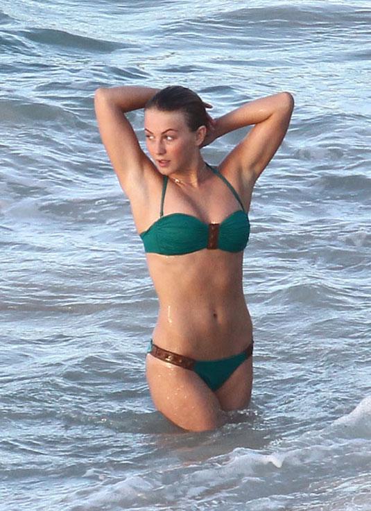 Beach Julianne Hough photo 15