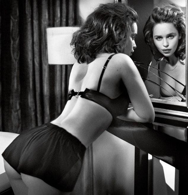 Emelia Clarke Butt photo 24