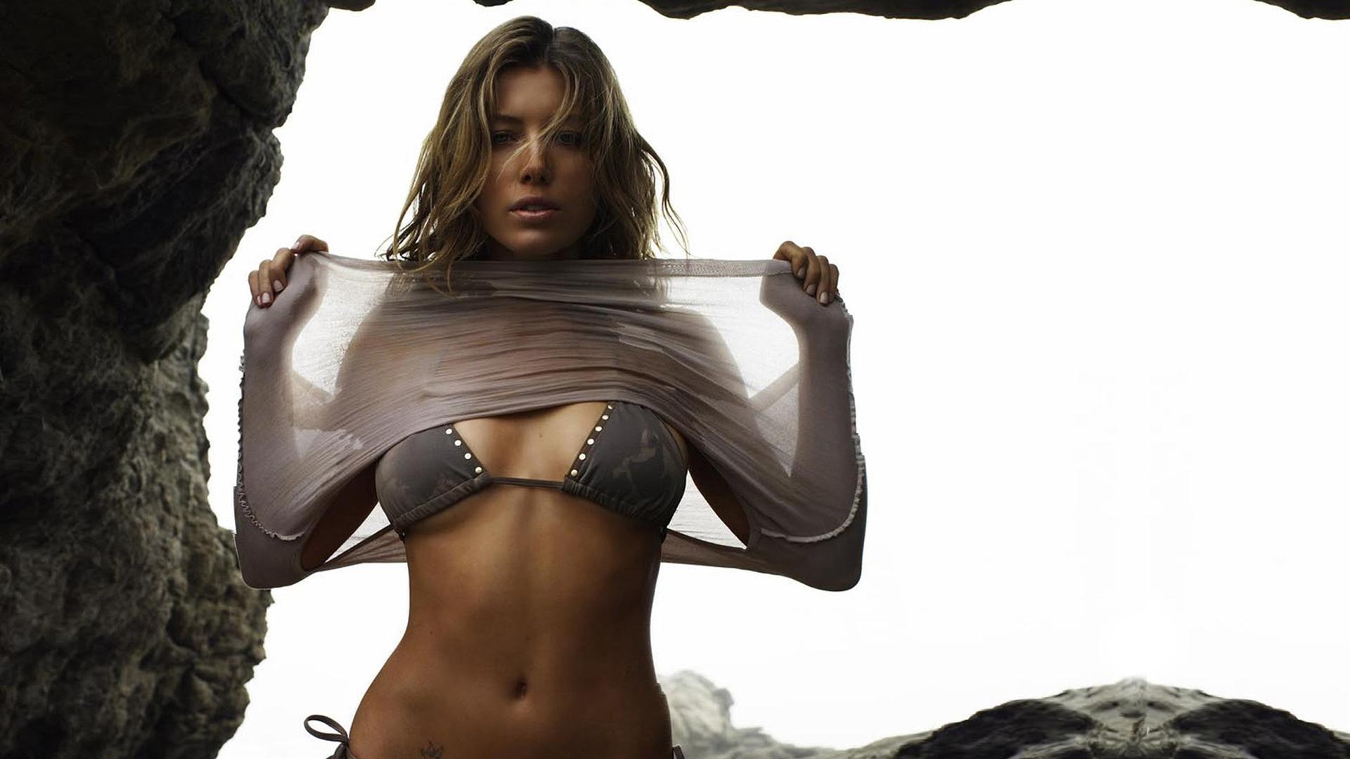Jessica Biel En Bikini photo 2
