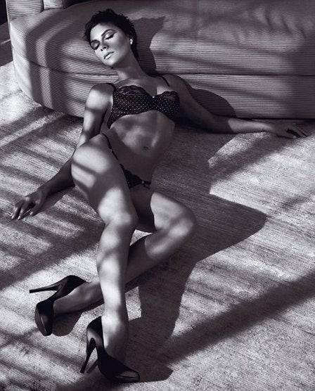 Victoria Beckham Hot photo 30