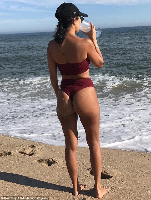 Kourtney Kardashian Bare Ass photo 11