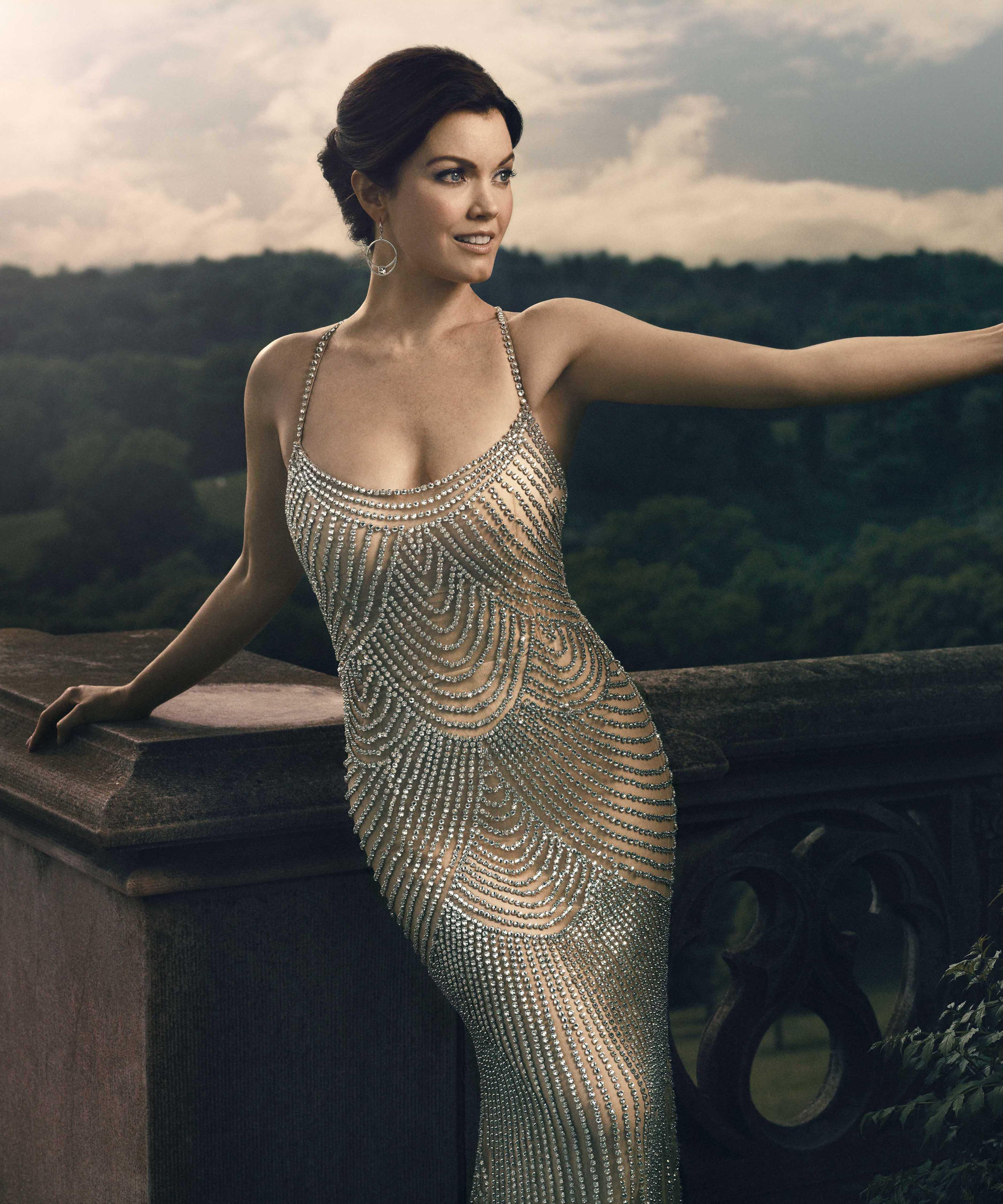 Bellamy Young Sexy photo 24