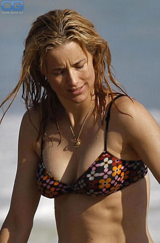 Naked Pictures Of Tea Leoni photo 30