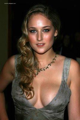 Leelee Sobieski Breasts photo 10