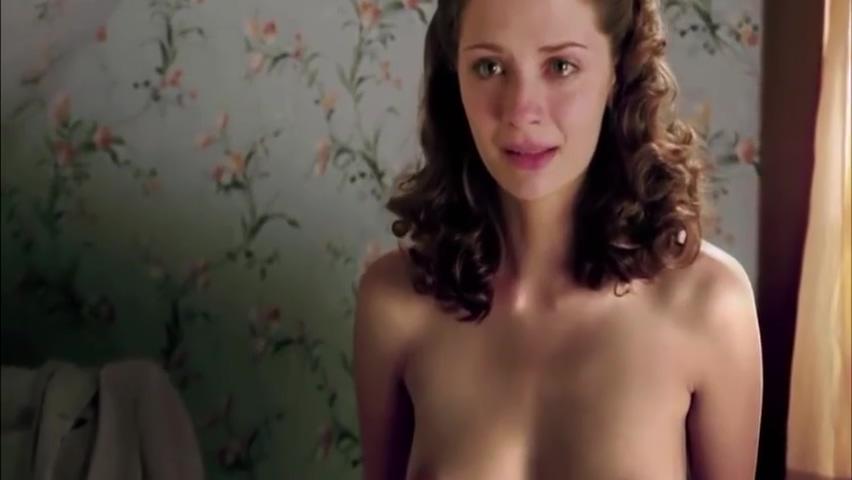 Mischa Barton Nipples photo 1