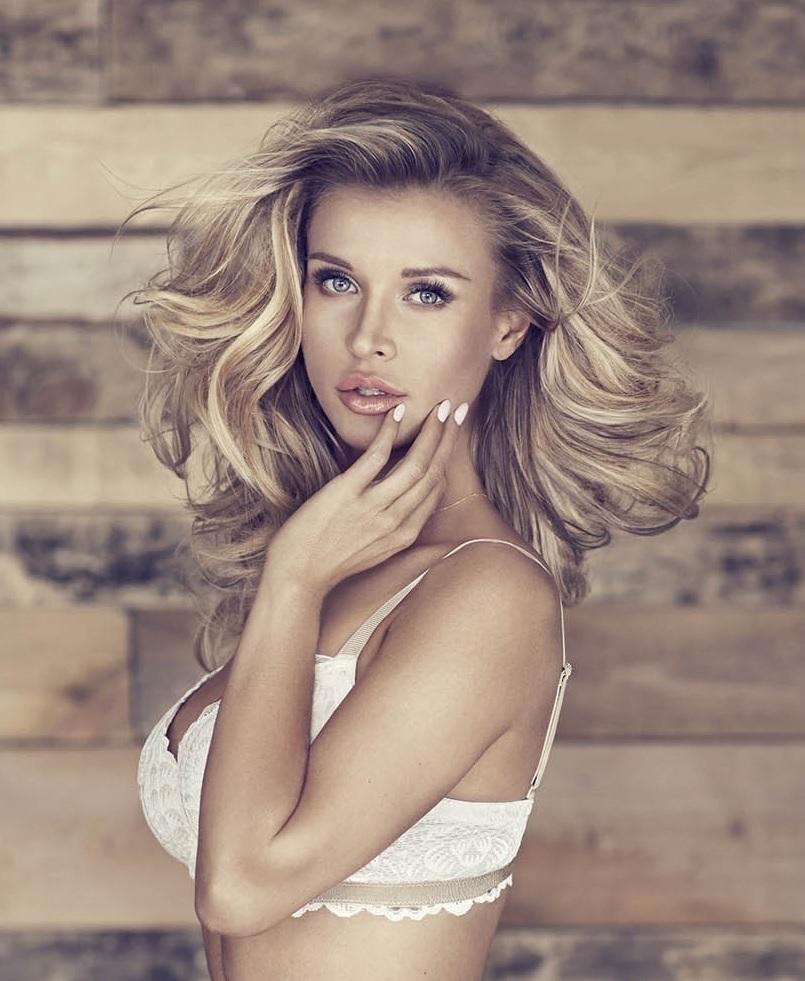 Sexy Joanna Krupa photo 30