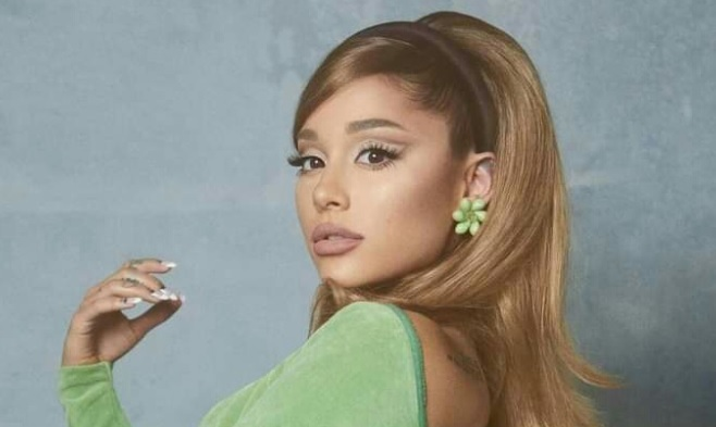 Arianna Grande Leaked photo 16