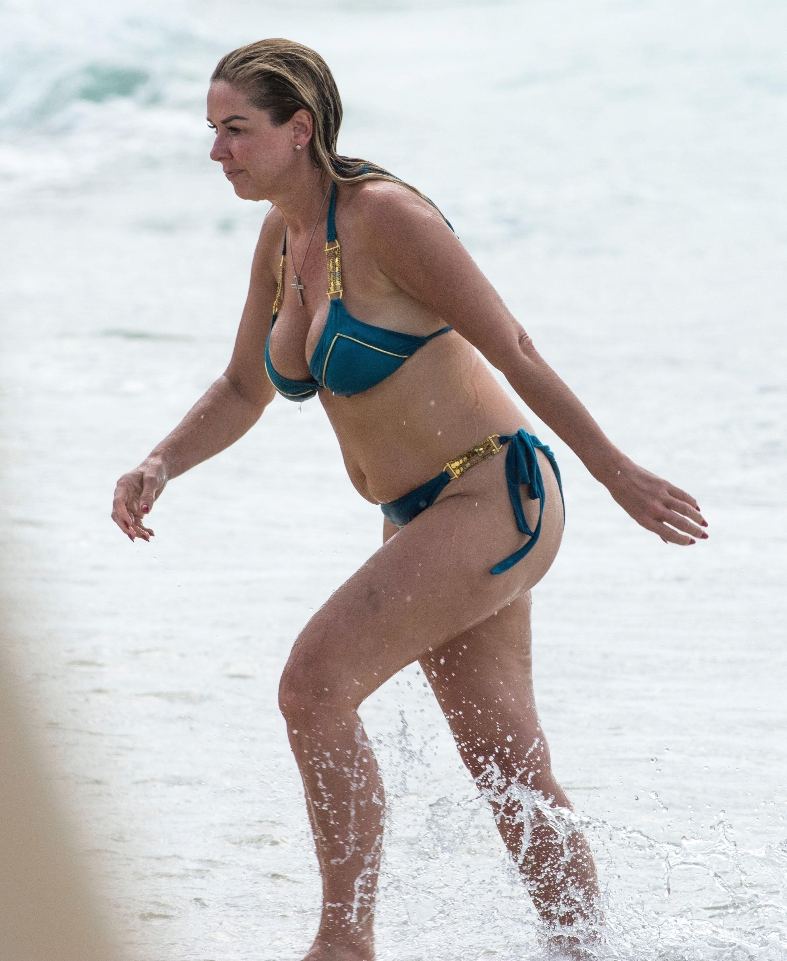 Mary Mccormack Bikini photo 22