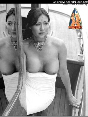 Shannon Doherty Tits photo 12