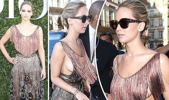 Jennifer Lawrence No Bra photo 10