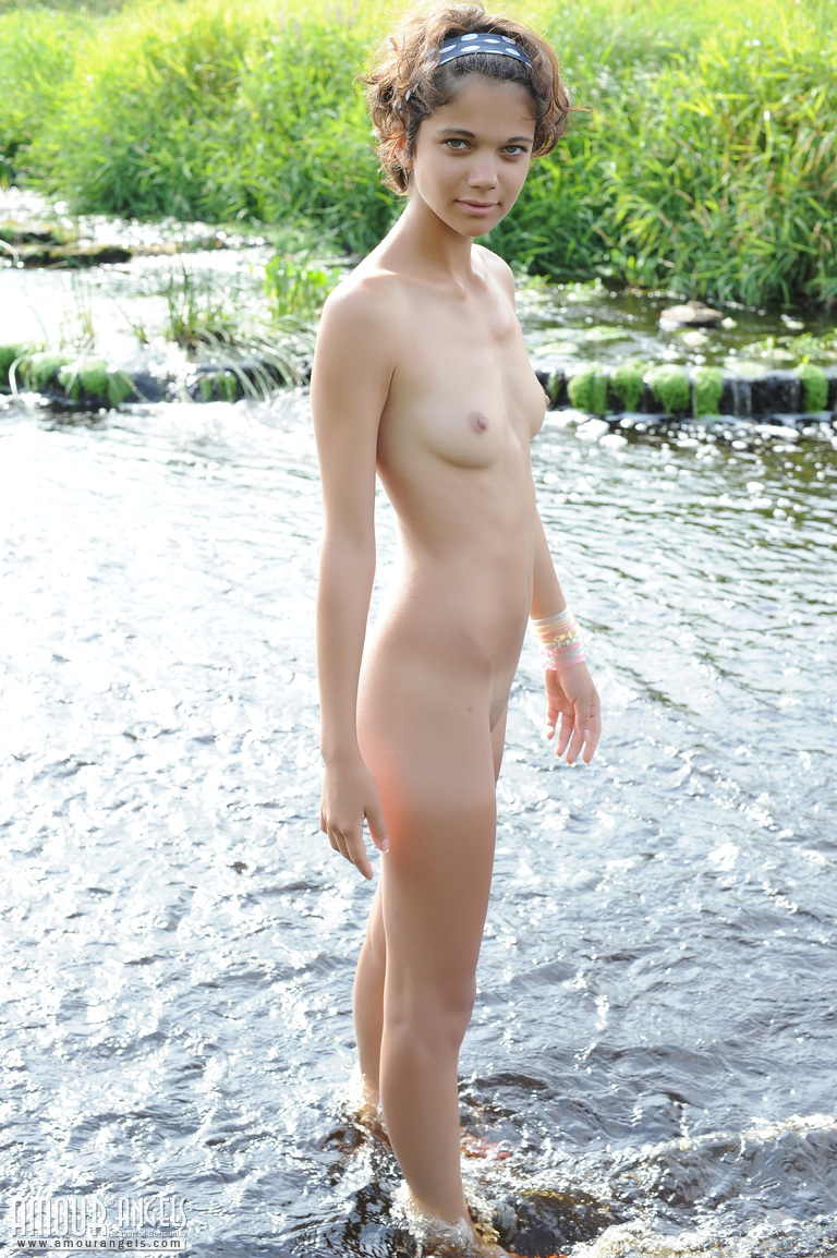 Pretty Naked Pics photo 30