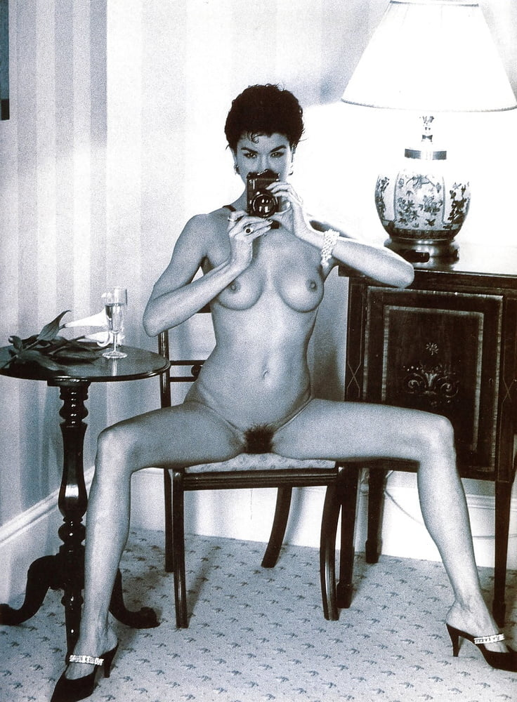 Janice Dickinson Nipples photo 4