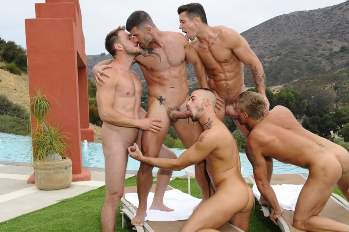 Naked Pool Party Photos photo 10