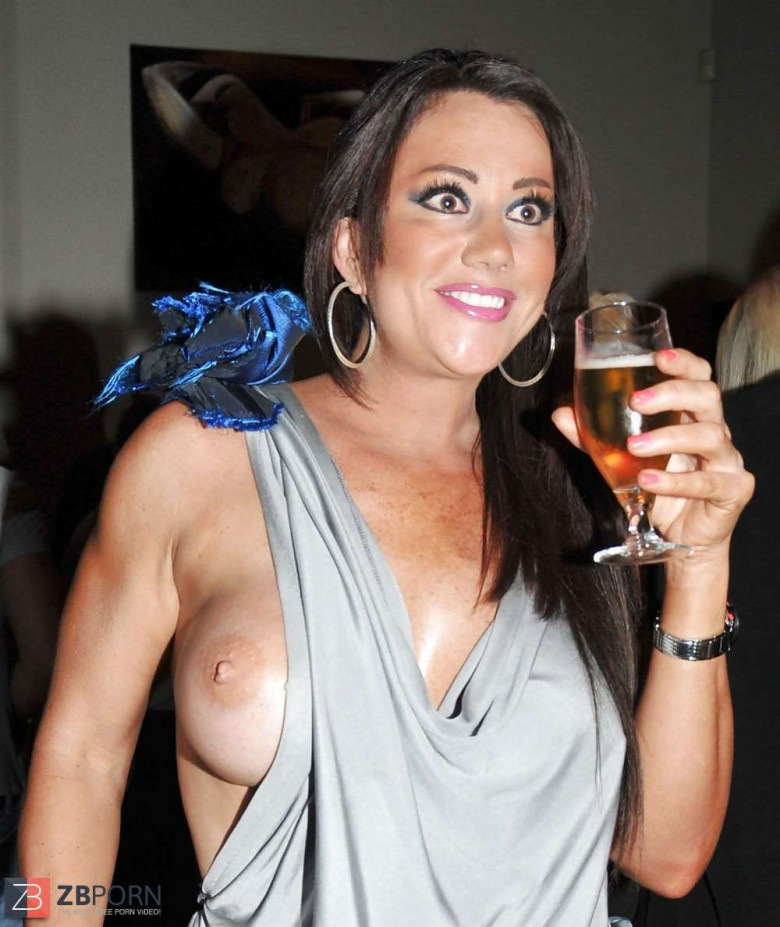 Lisa Appleton Topless photo 16