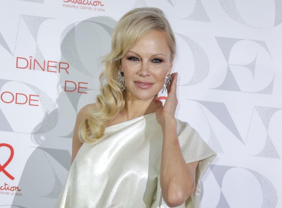 Pamela Anderson Free Video photo 24
