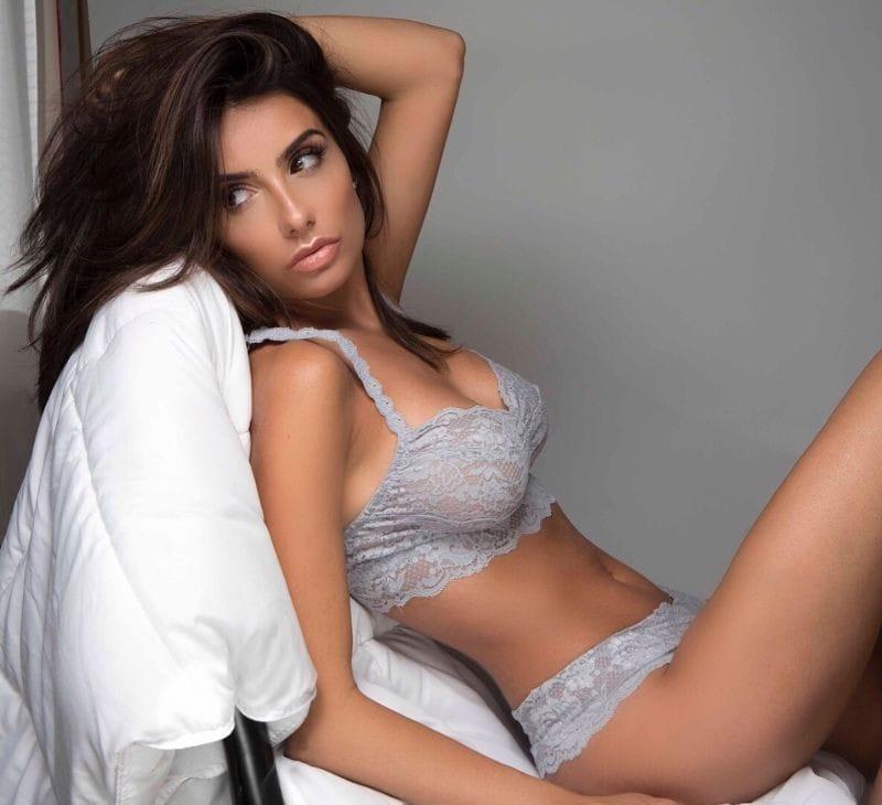 Mikaela Hoover Hot photo 1