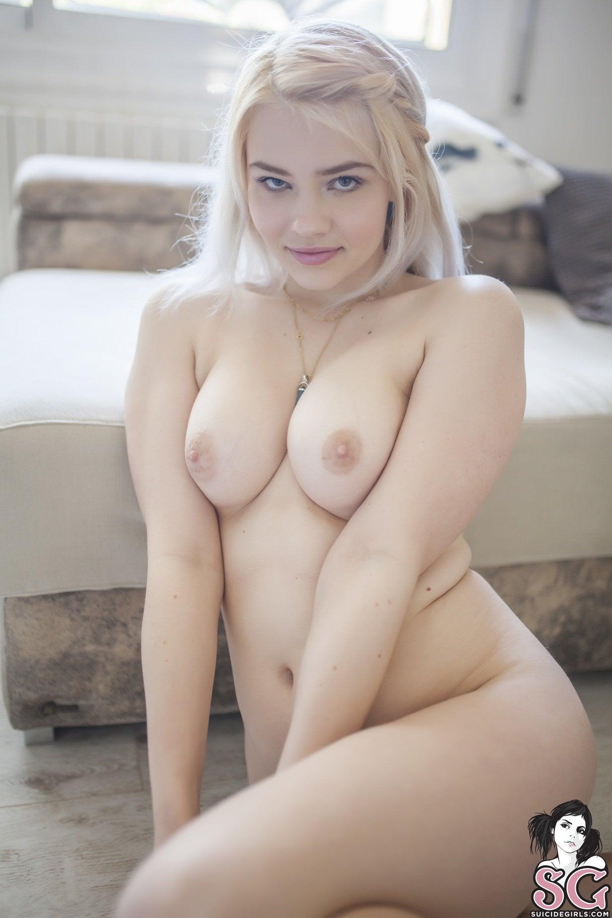 Roxylan Suicide Girl photo 25