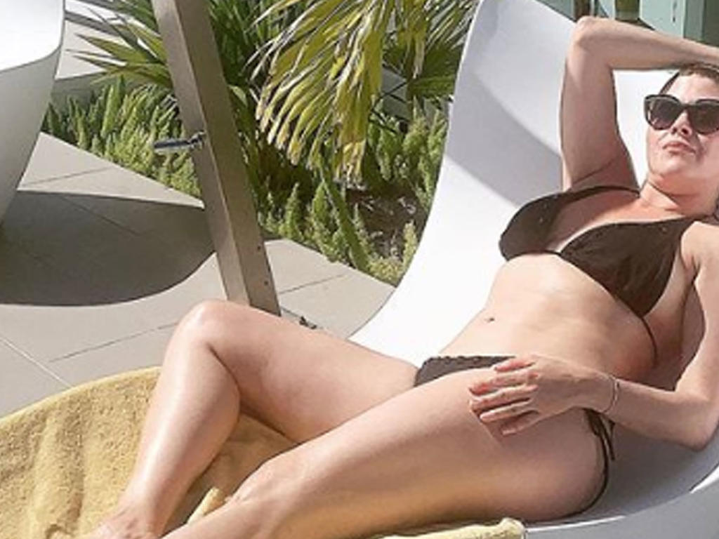 Alicia Machado Sexy Pics photo 10