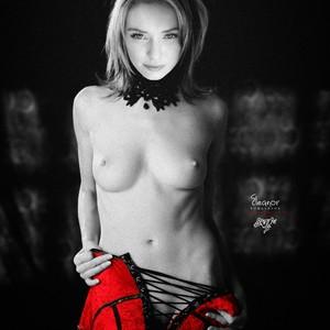 Eleanor Tomlinson Porn photo 11