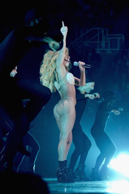 Lady Gaga Bare Butt photo 15