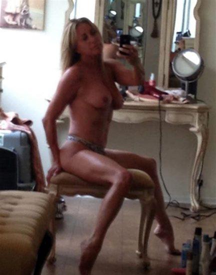 Carrie Keagan Big Tits photo 10
