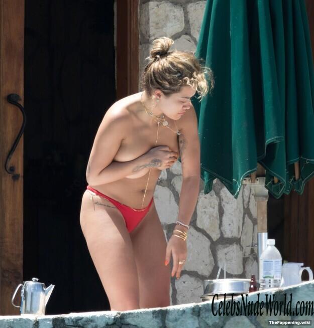 Rita Ora Nuda photo 15