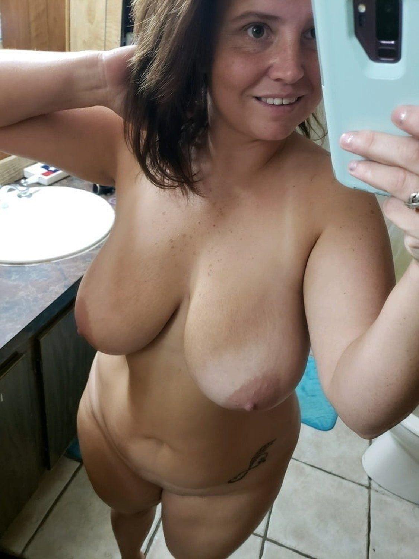 Mature Selfie Tits photo 5