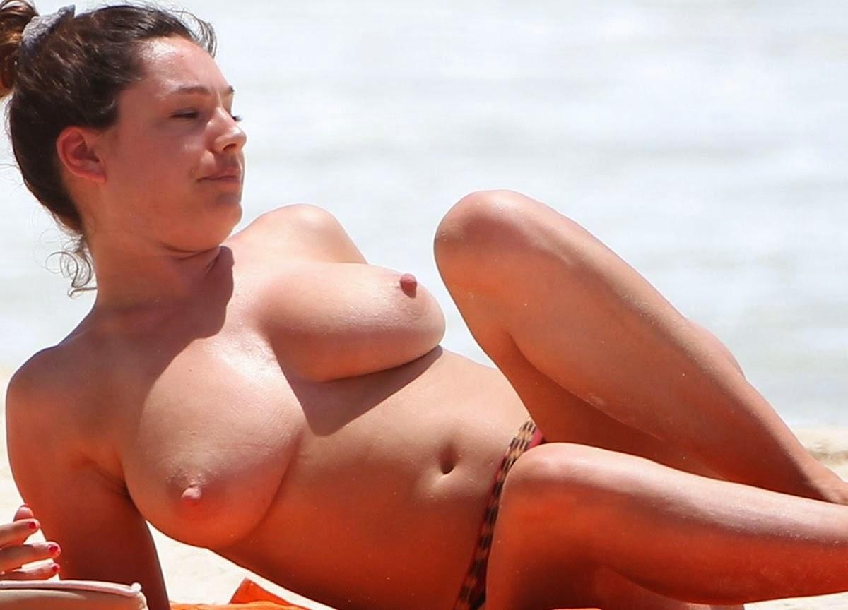 Kelly Brooks Topless photo 12