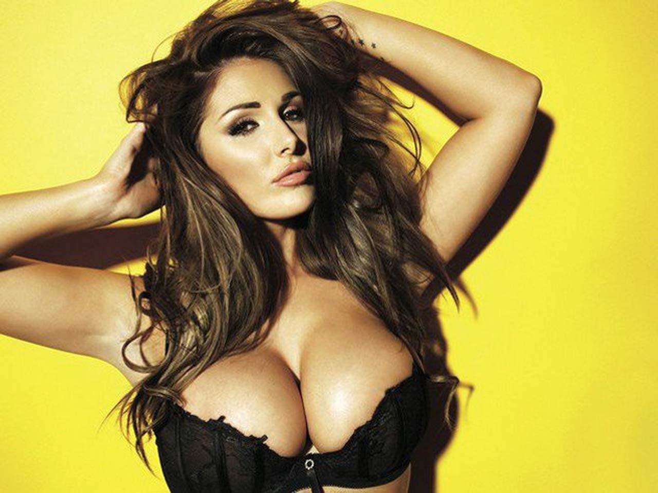 Nikki Bella Nude Boobs photo 9