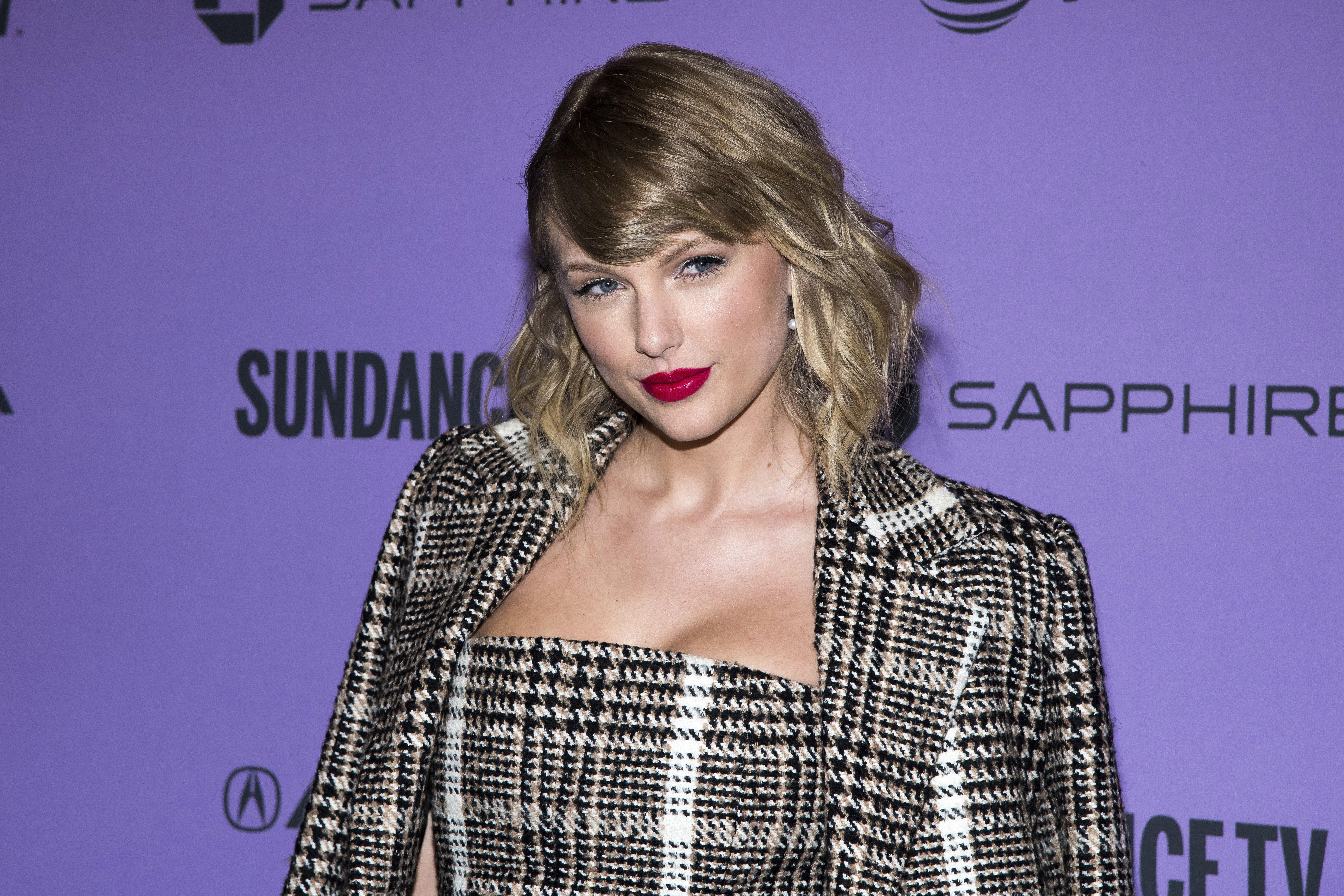 Taylor Swift Leaked Photo photo 27