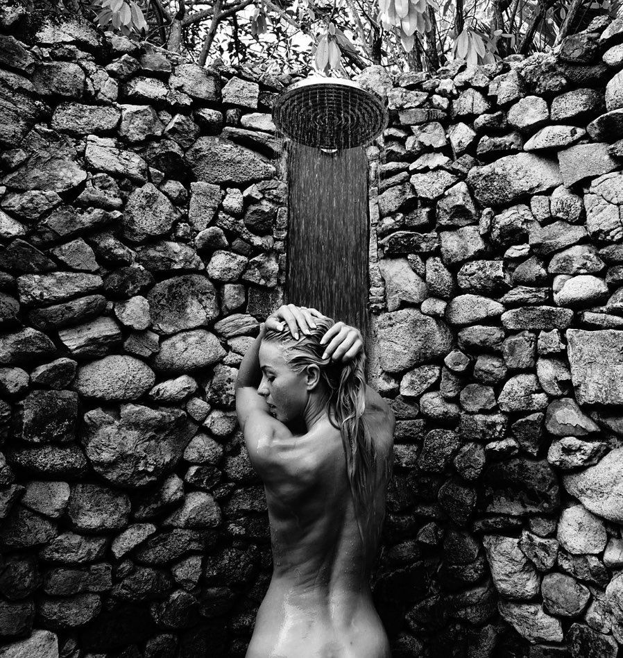 Julianne Hough Topless Instagram photo 24