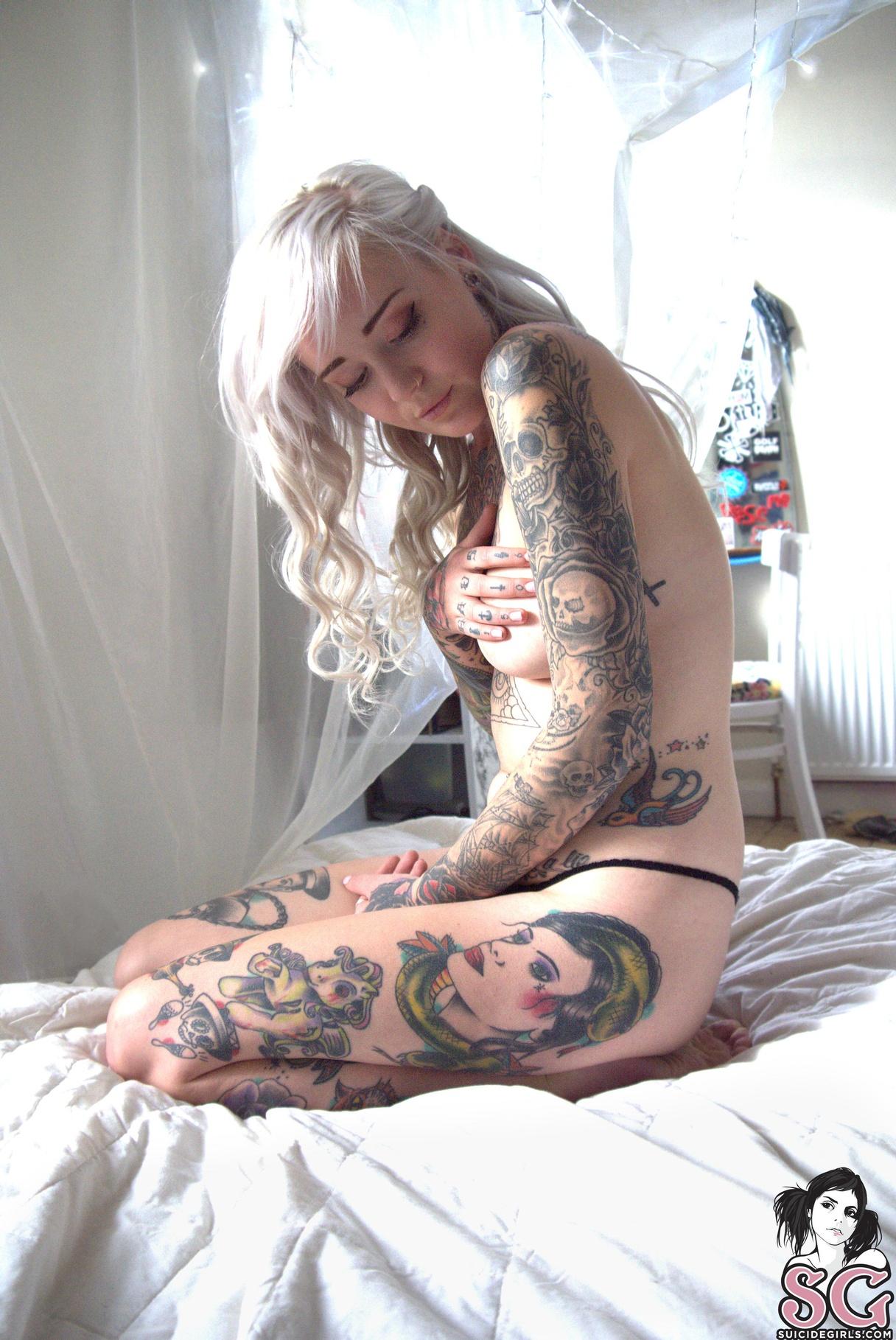 Rosemo Suicide Girl photo 24