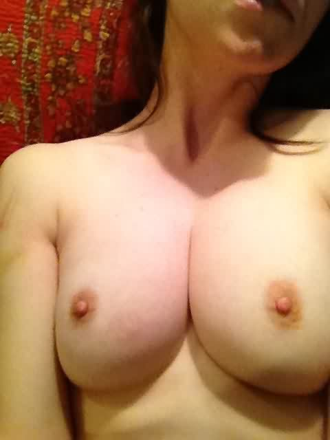 Alison Brie Leaked photo 27