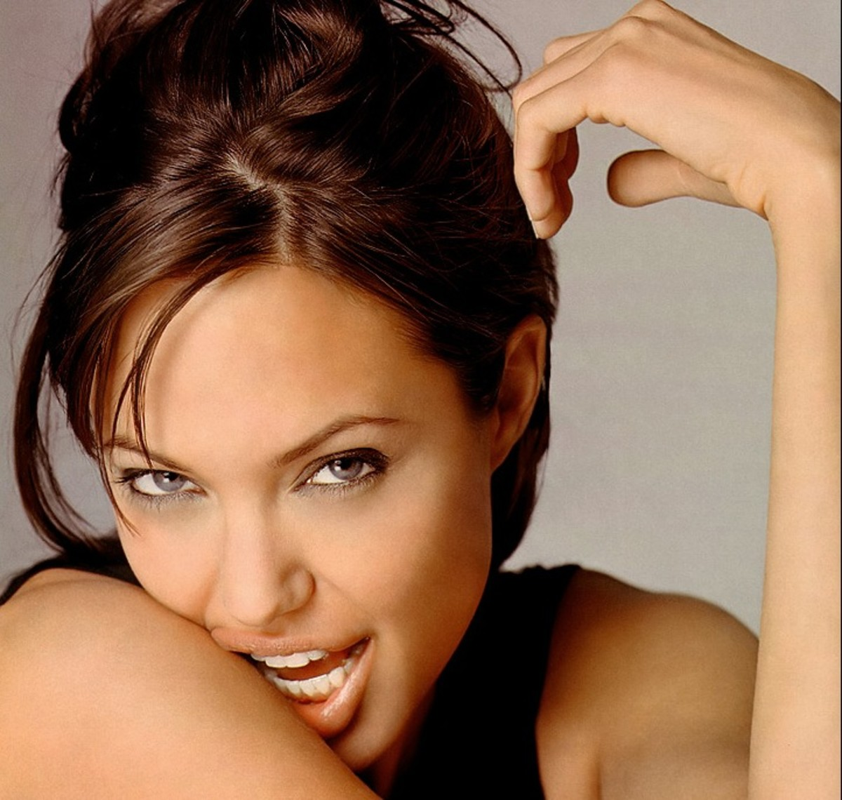Angelina Jolie Hottest Pics photo 16