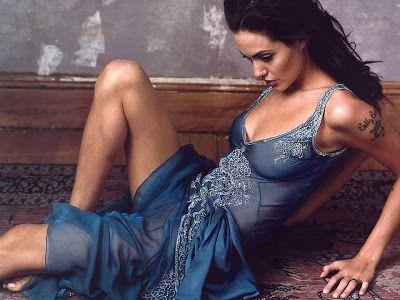 Angelina Jolie Hottest Pics photo 30