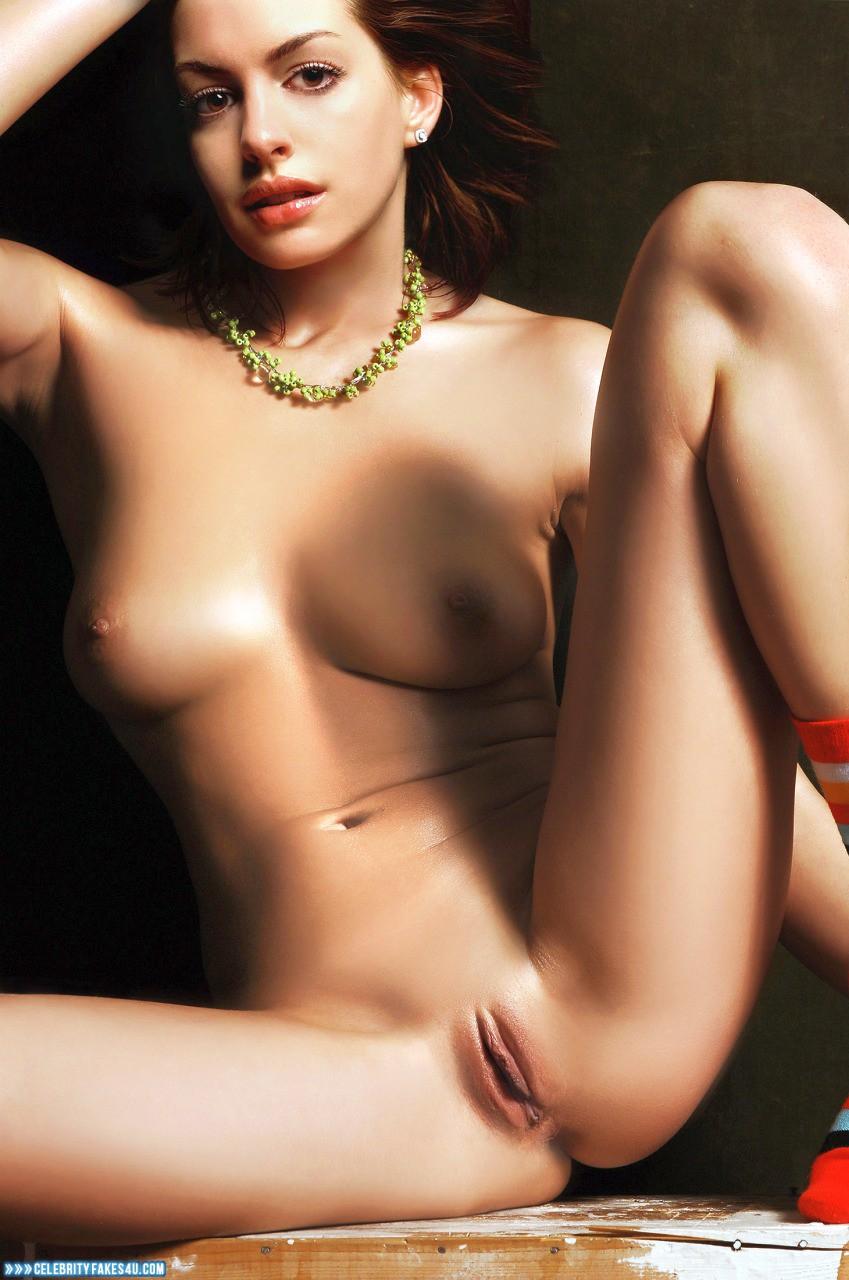 Anne Hathway Naked photo 12