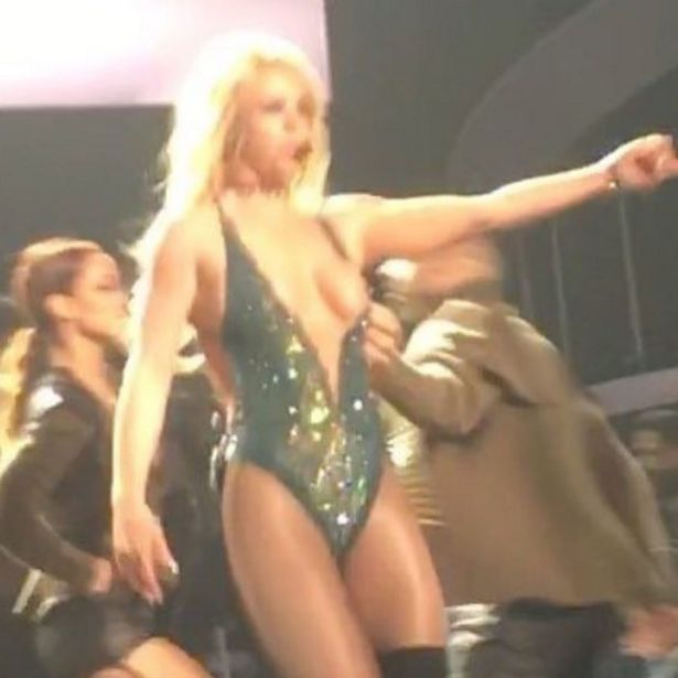 Britney Spears Tits Out photo 27