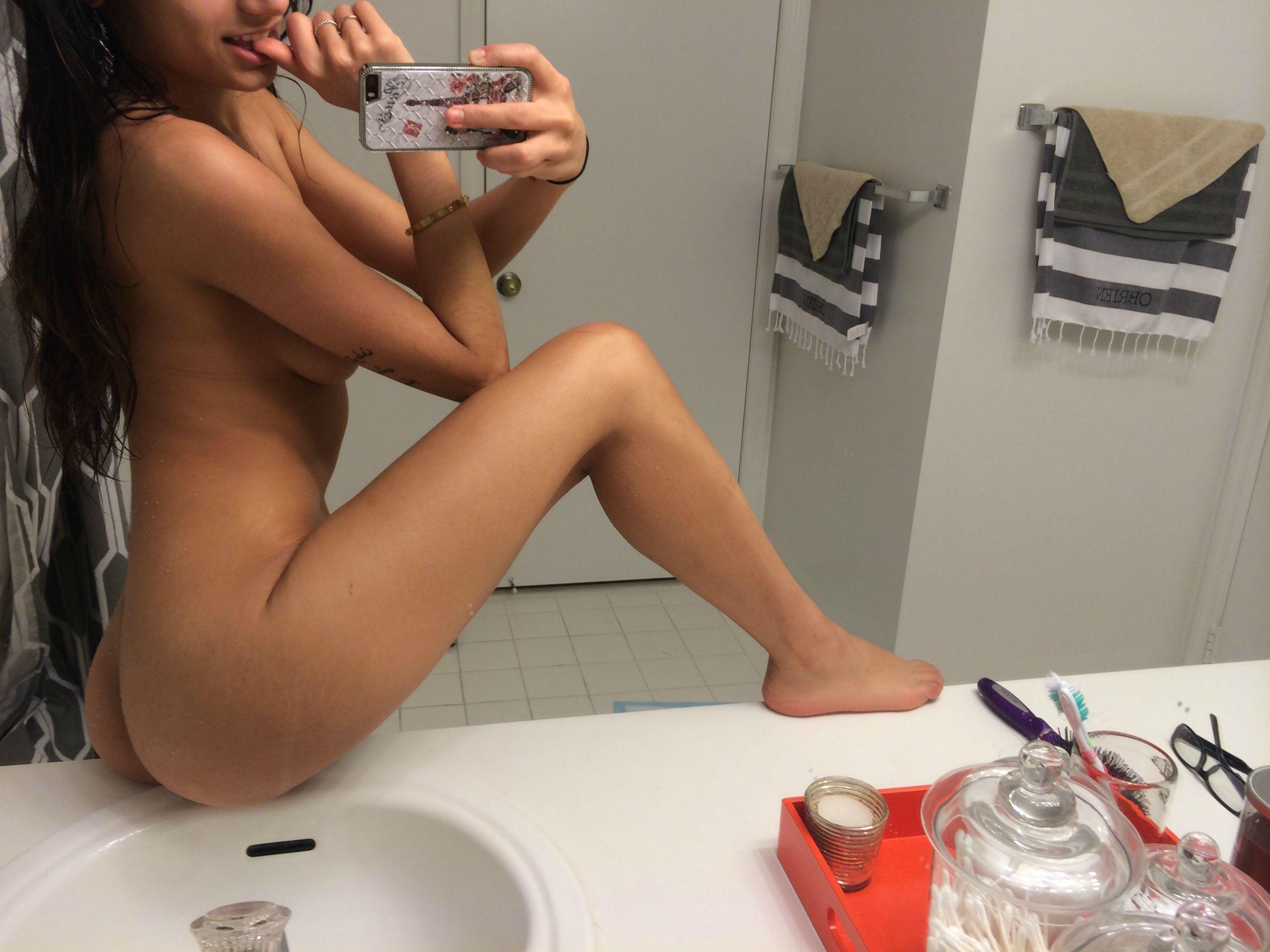 Mia Khlifa Naked photo 5